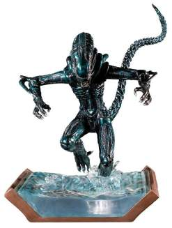 Image Aliens - Alien Water Attack Statue