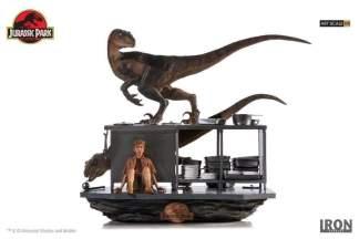 Image Jurassic Park - Velociraptors in the Kitchen 1:10 Scale Diorama