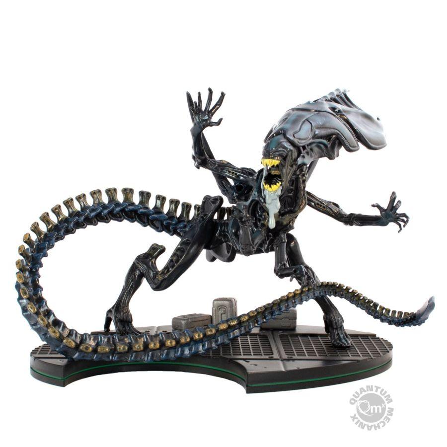 QMXALN-0403--Alien-Queen-Q-Fig-Max-EliteB